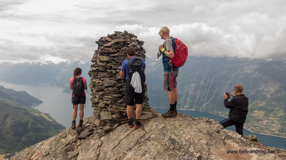 galleri-dronningstien_fottur_fjell-vandringas6
