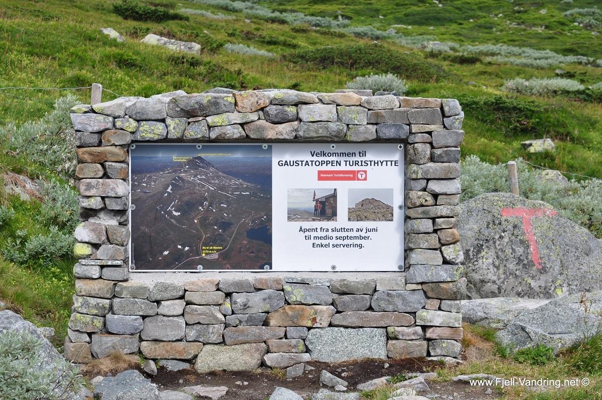 gaustatoppen-stavsro_fottur_fjell-vandringas4