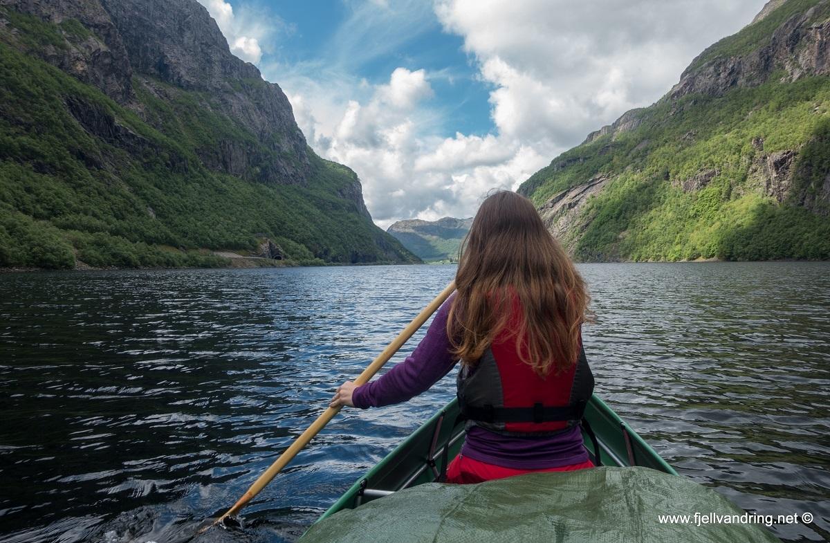 galleri_gloppedalsura_padletur_fjell-vandringas8