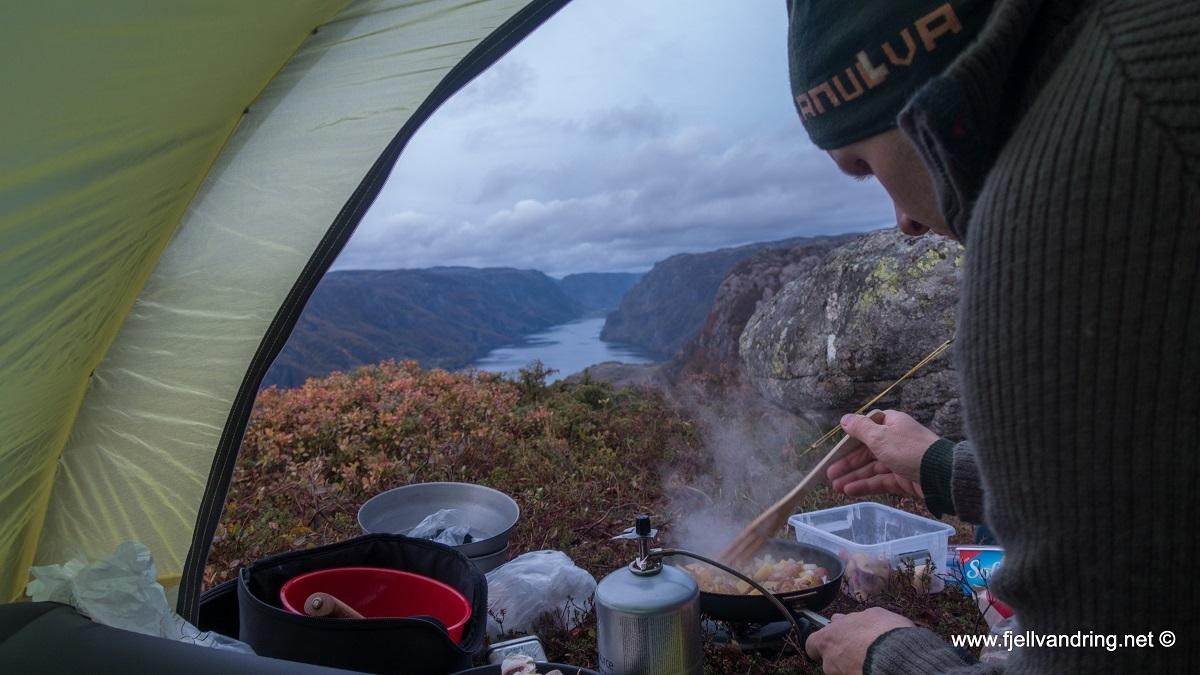 galleri-orsdalsvatnet_telttur_fjell-vandringas1