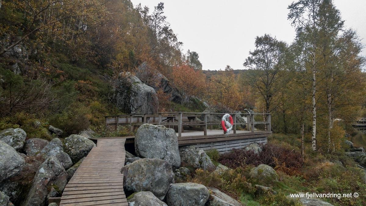 galleri-orsdalsvatnet_telttur_fjell-vandringas8