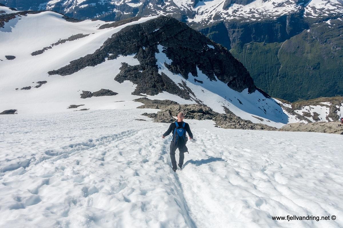 galleri_skaalataarnet_turisthyttetur_fjell-vandringas5