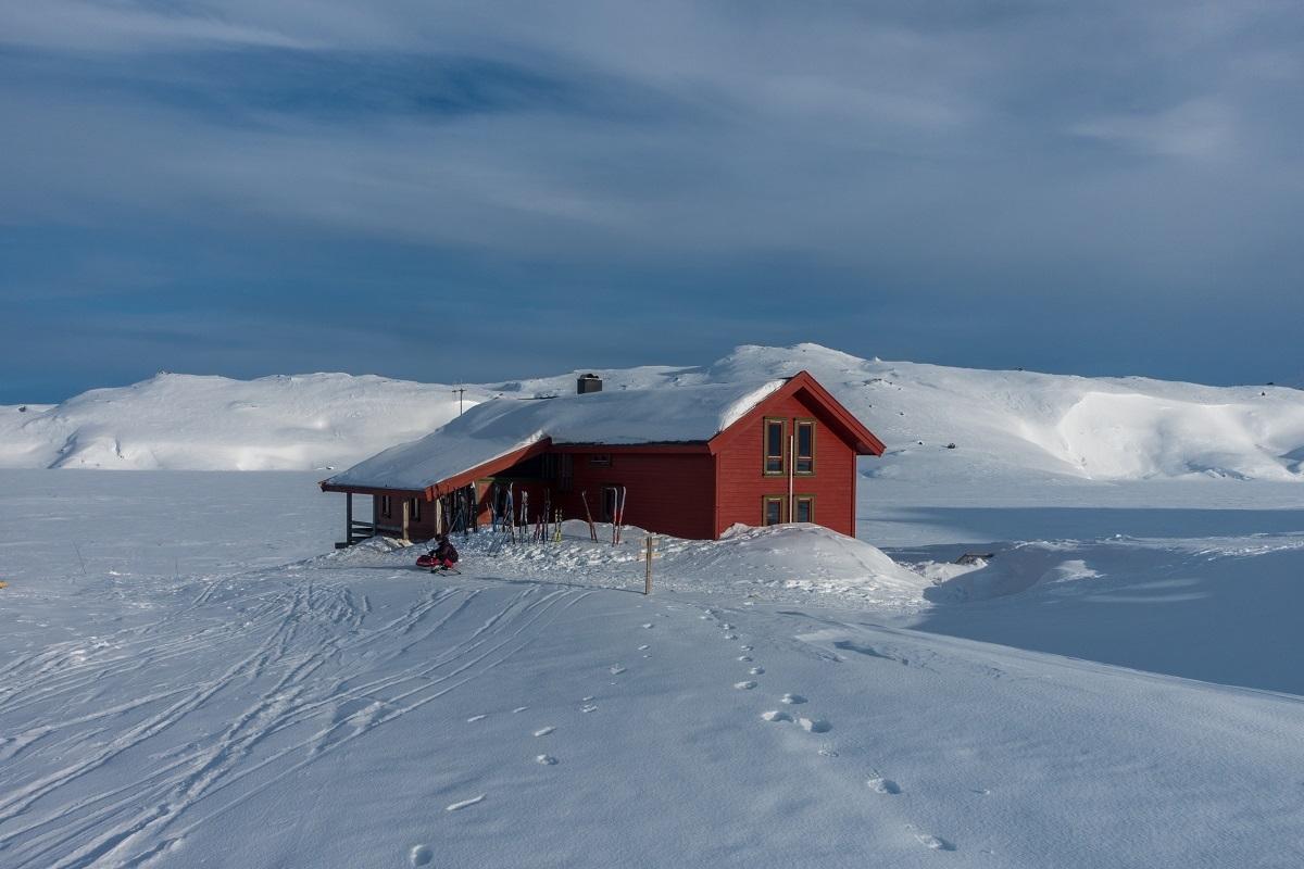 galleri-tomannsbu-vinter_turisthyttetur_fjell-vandringas5