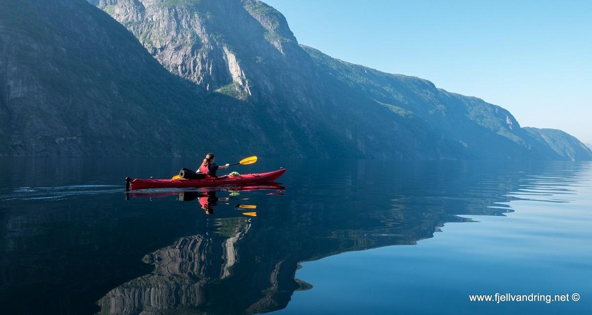 galleri-trodla-tysdal_padletur_fjell-vandringas1