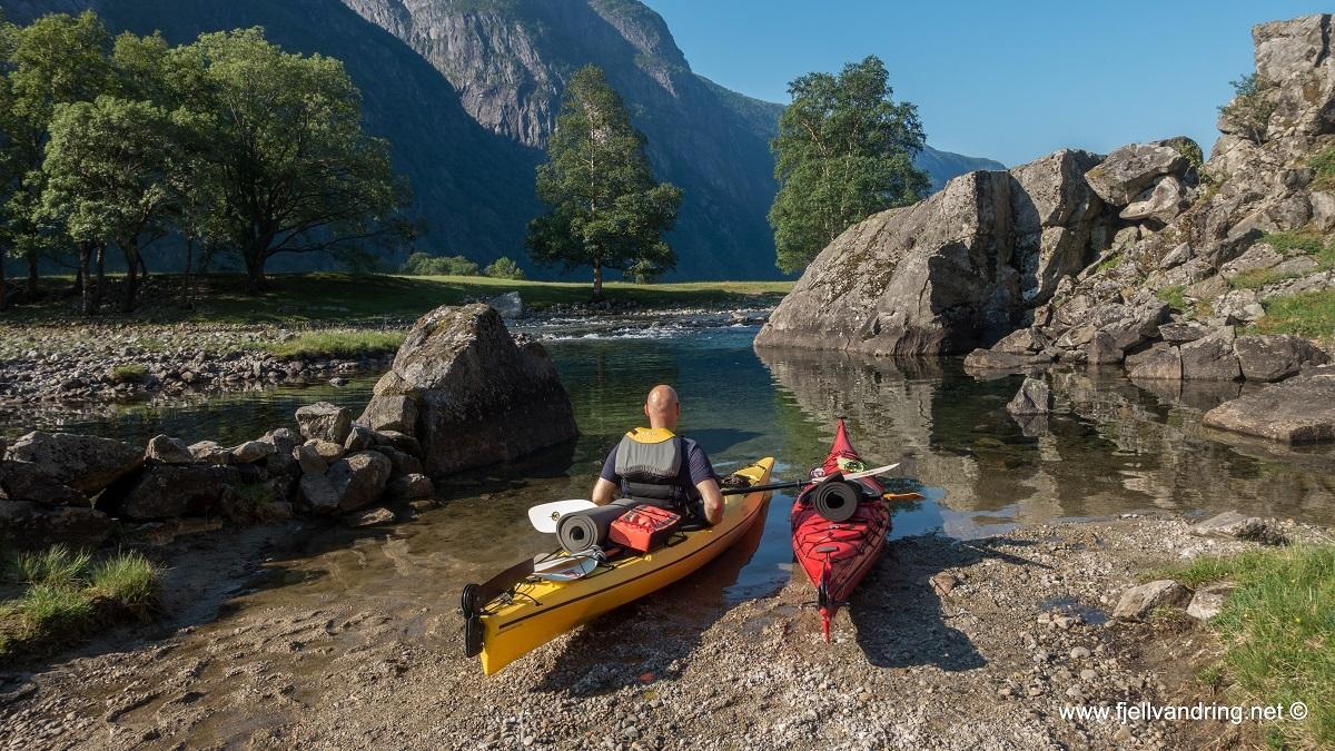galleri-trodla-tysdal_padletur_fjell-vandringas9