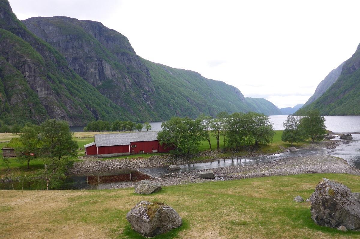 trodla-tysdal_turisthyttetur_fjell-vandringas1