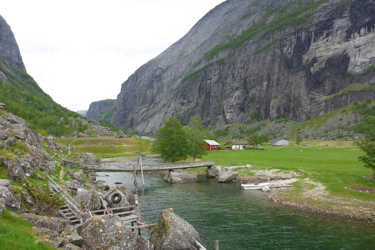 trodla-tysdal_turisthyttetur_fjell-vandringas7