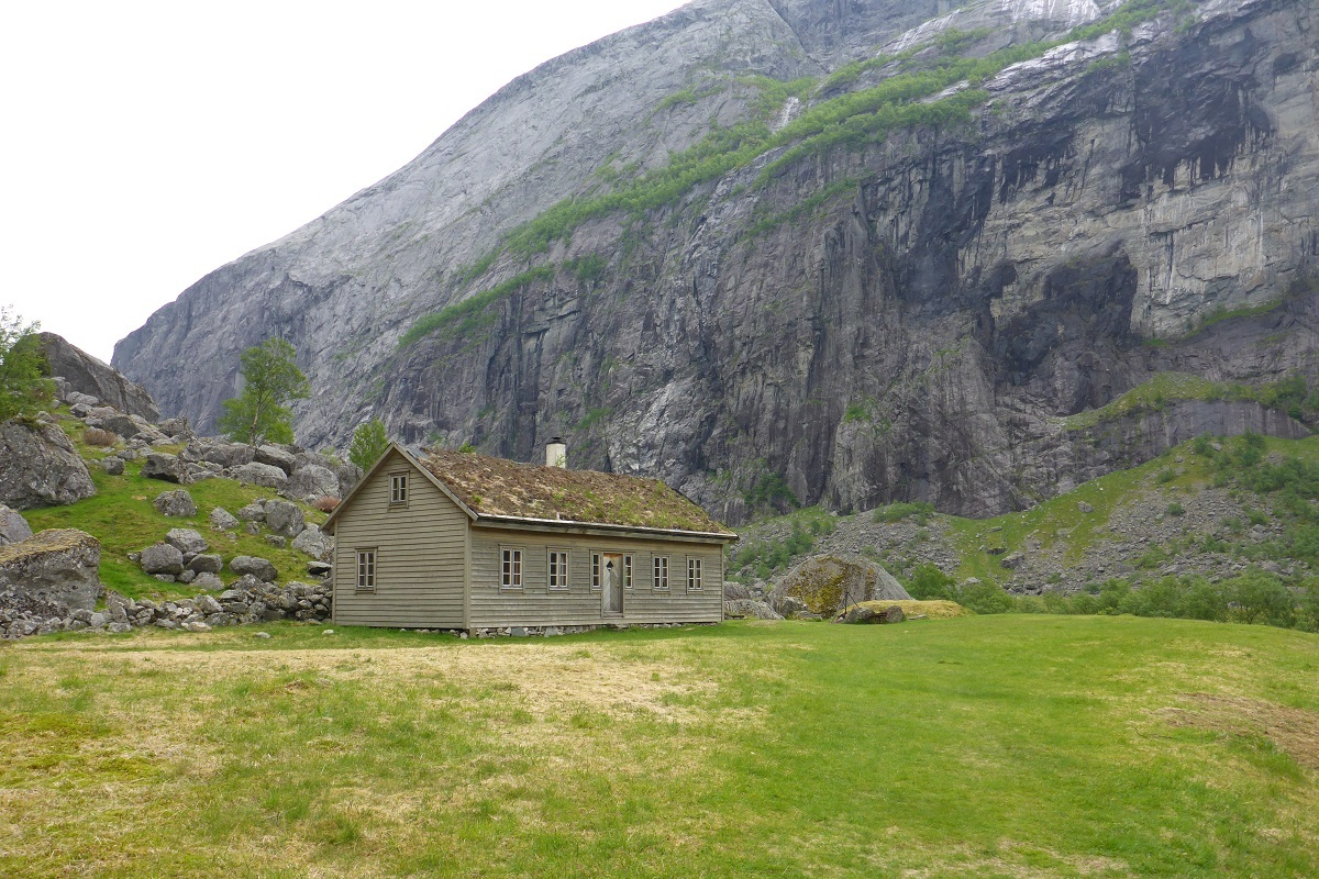 trodla-tysdal_turisthyttetur_fjell-vandringas8