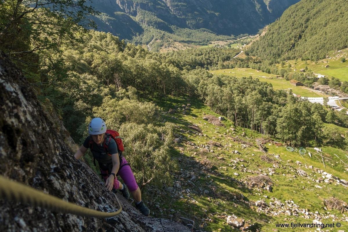 galleri-viaferratamaanafossen_klatretur_fjell-vandringas3