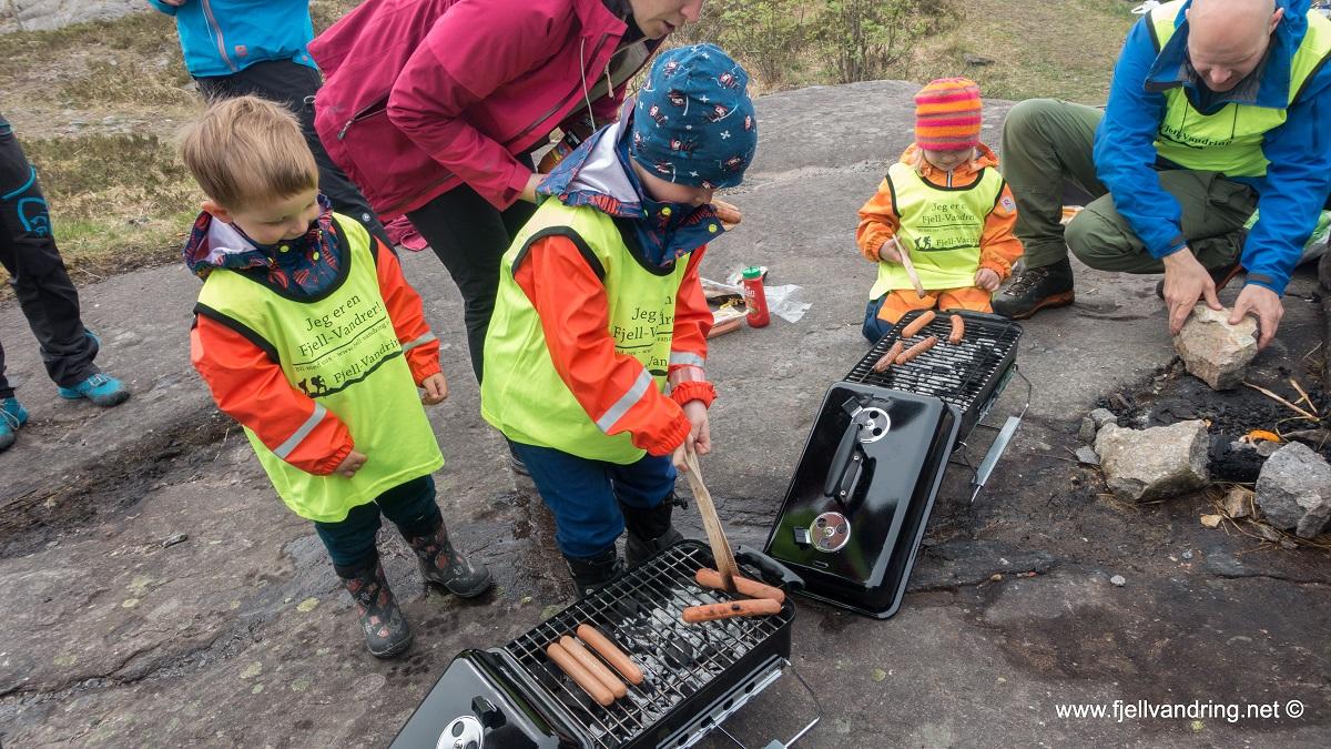 Barnas fellestur April 2019 - Til bunkerene på Vedafjellet (Gjennomført)