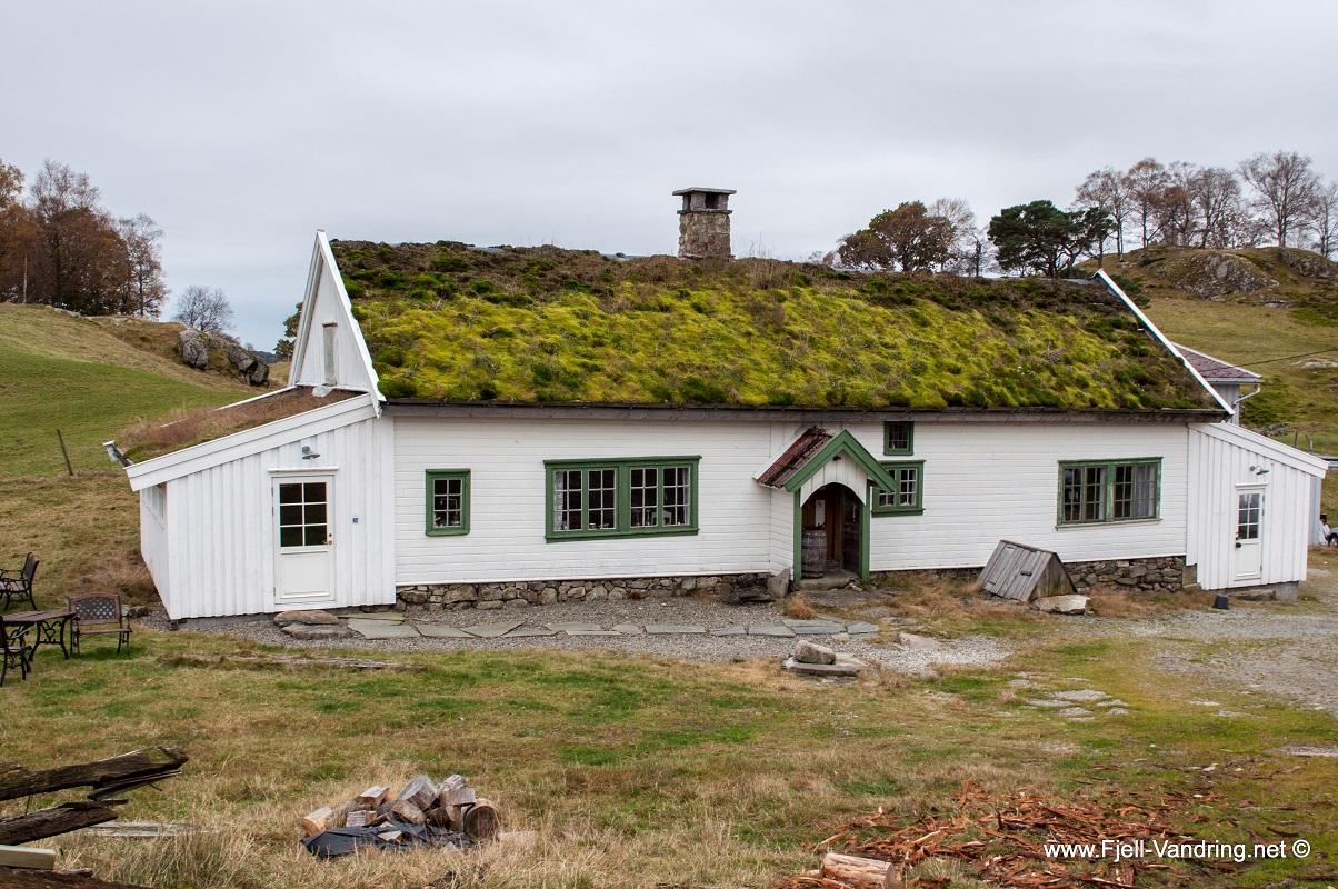 Ramnafjellet - Eldre våningshus i Åsen