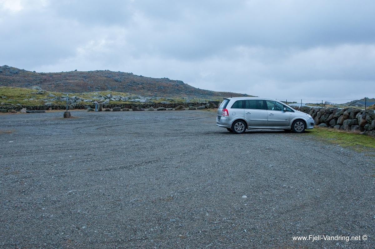 Synesvarden - Opparbeidet parkeringsplass ved Veisedalen