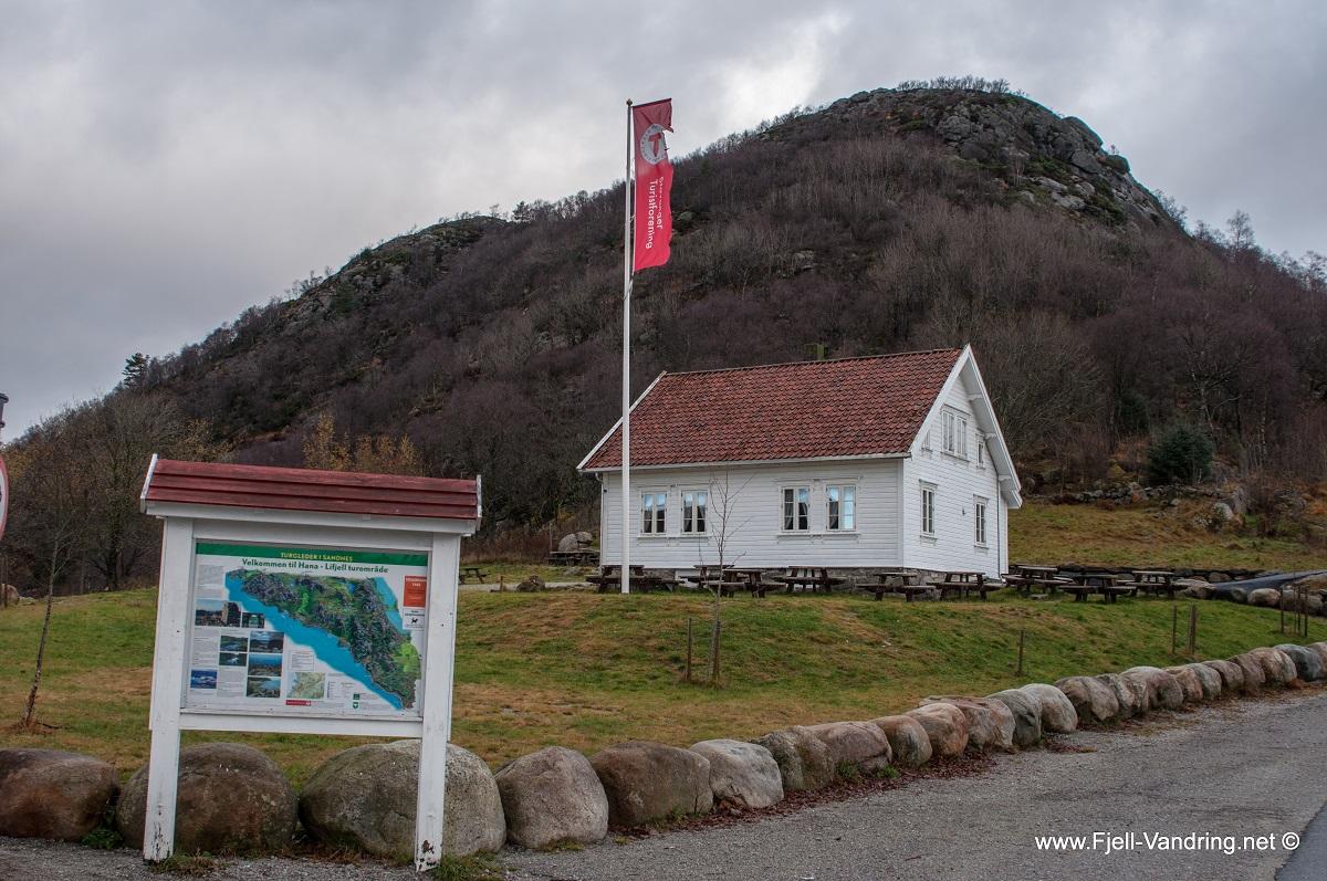Dalsnuten - Stor og romslig parkeringsplass på Gramstad