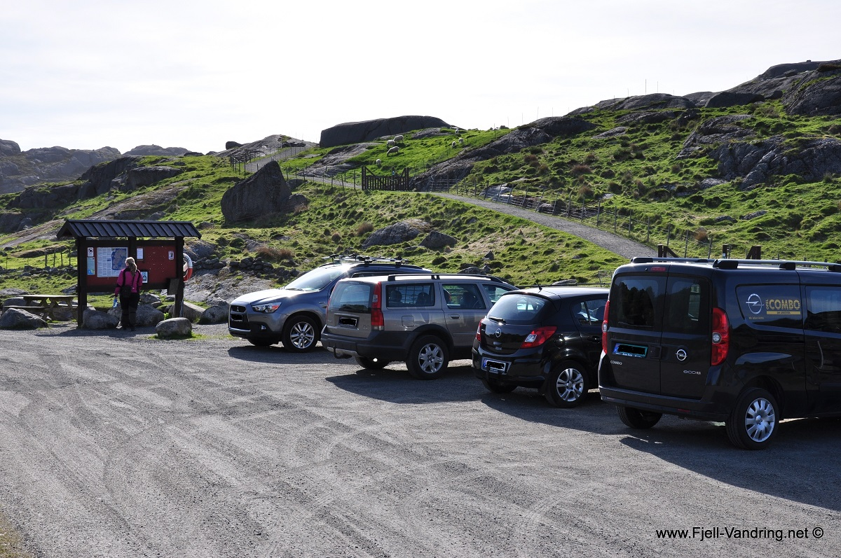 Eigerøy fyr - God og romslig parkeringsplass