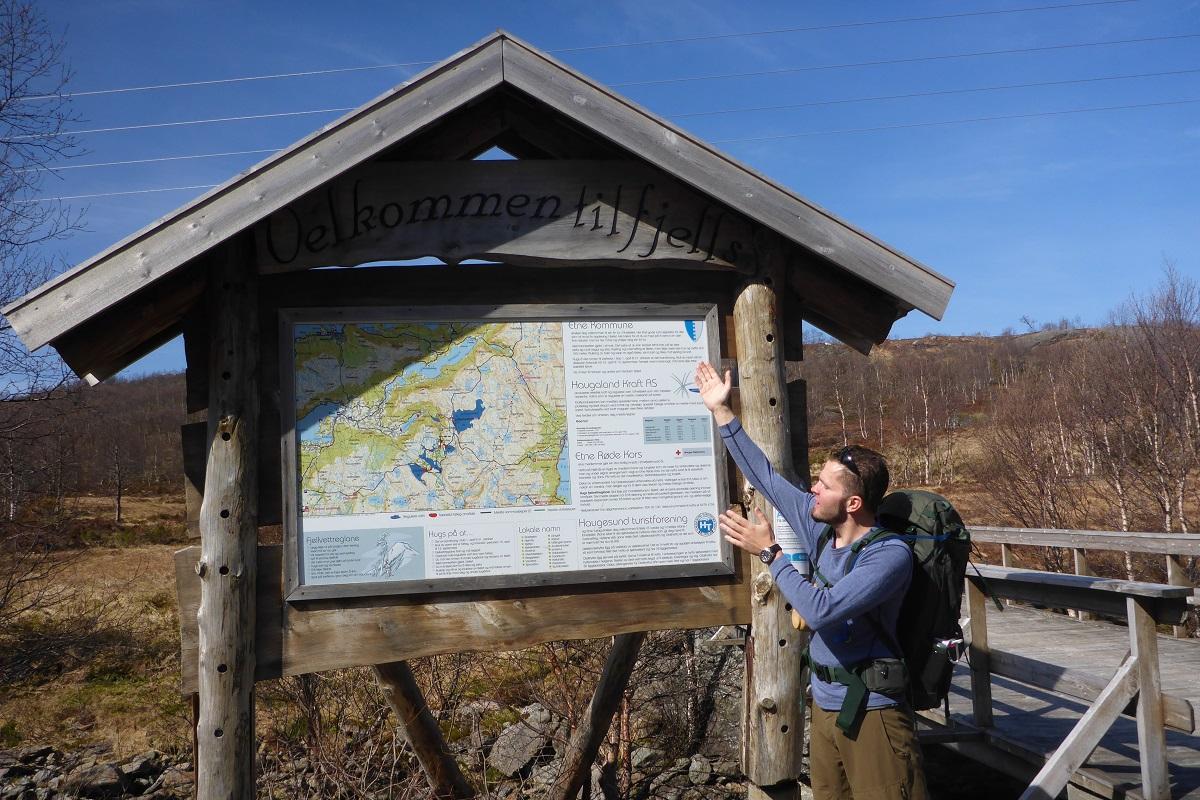 Løkjelsvatnet - Bjørnar er klar for en turisthyttetur