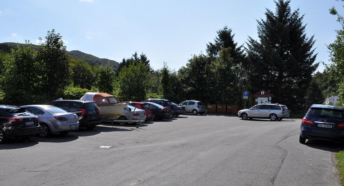 Årosåsen - Parkering ved Sogndalstrand