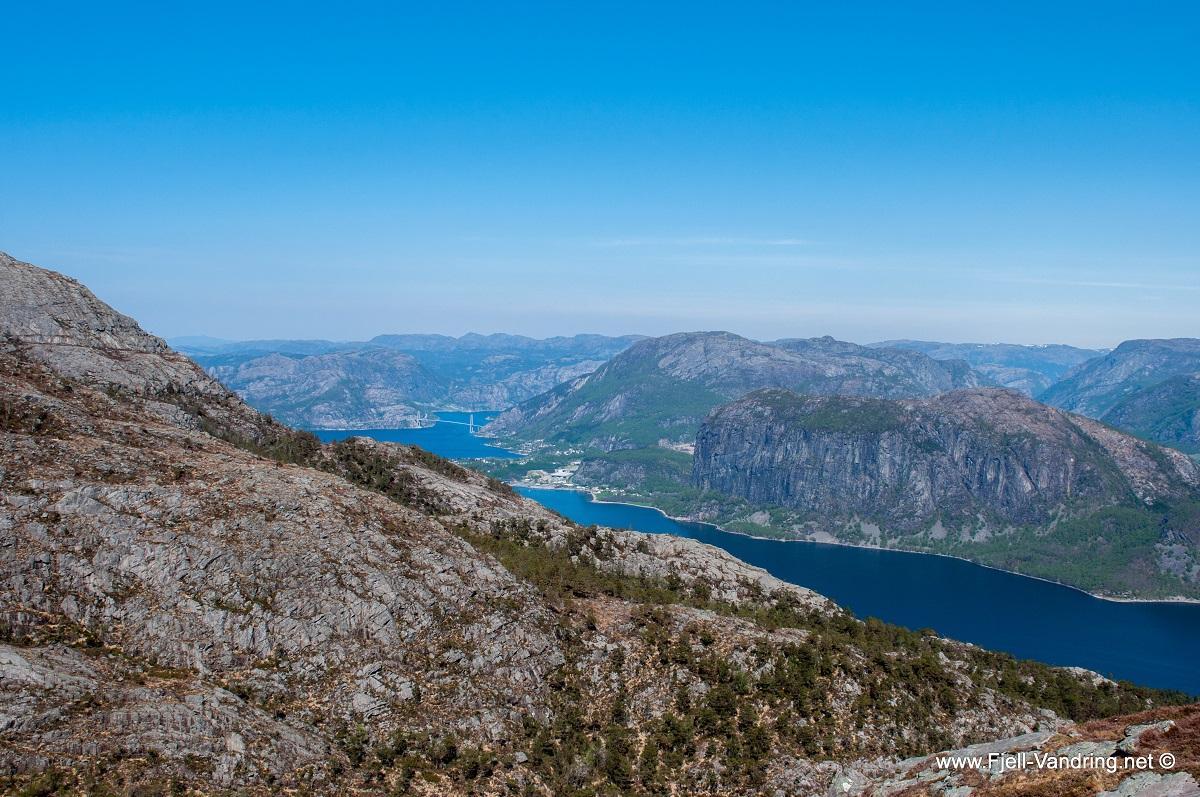 Bynuten - Vi utsikt til Lysefjorden