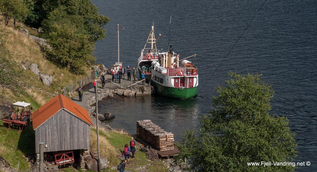 Dyrskog - Ørsdølen ved bryggeanlegget i Dyrskog