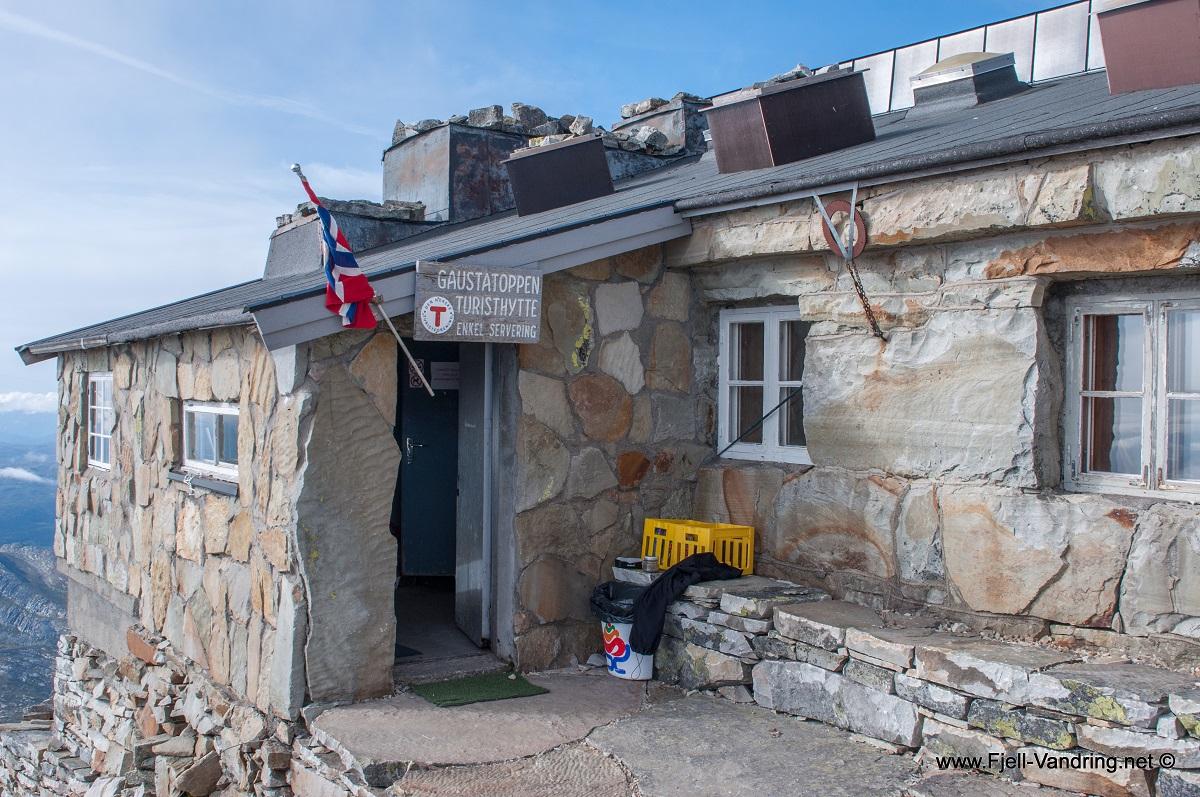 Gaustatoppen - Turisthytte på toppen