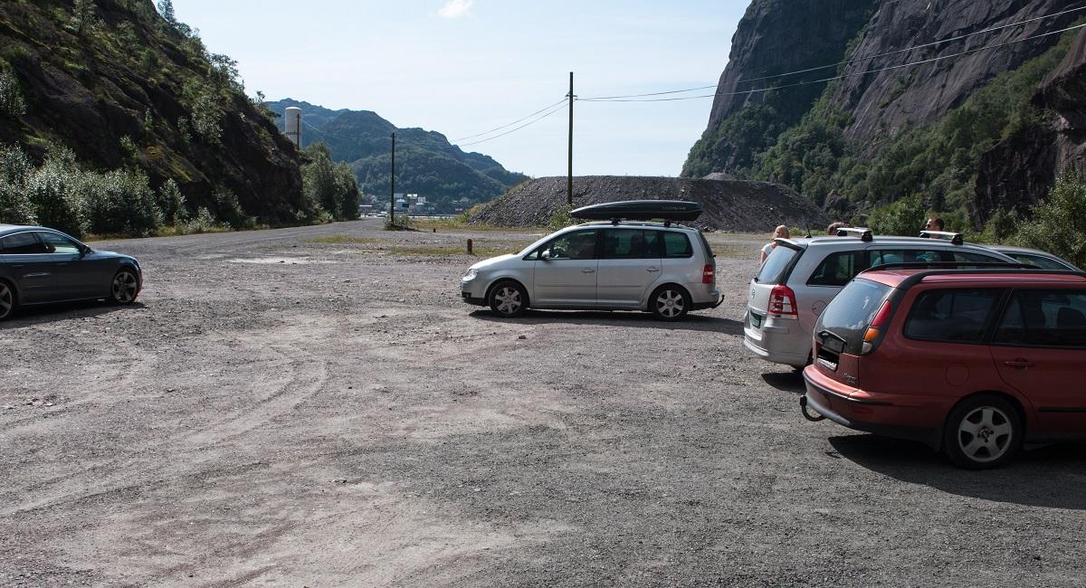 Hellersheia - Parkering i Jøssingfjorden