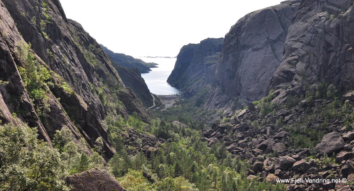 Hellersheia - På vei ned mot Jøssingfjord