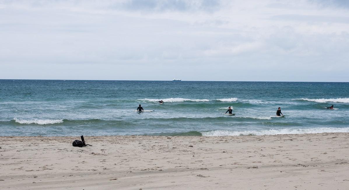 Jærkysten - Flere surfere er ute å koser seg