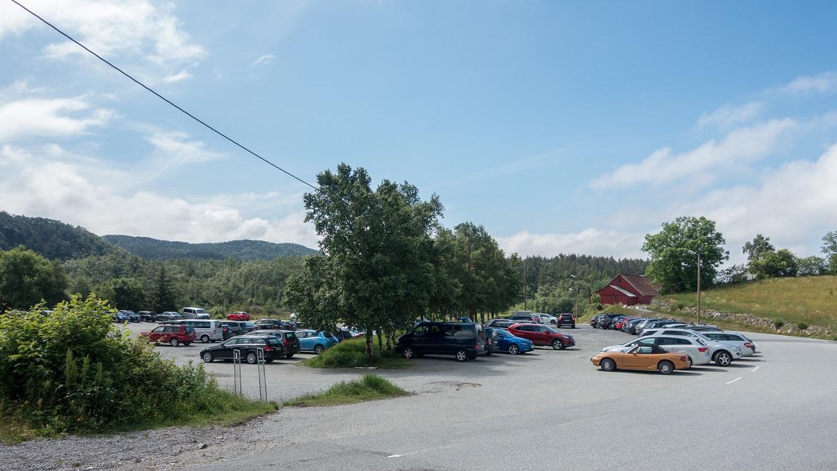 Kubbetjørn - Parkering på Gramstad