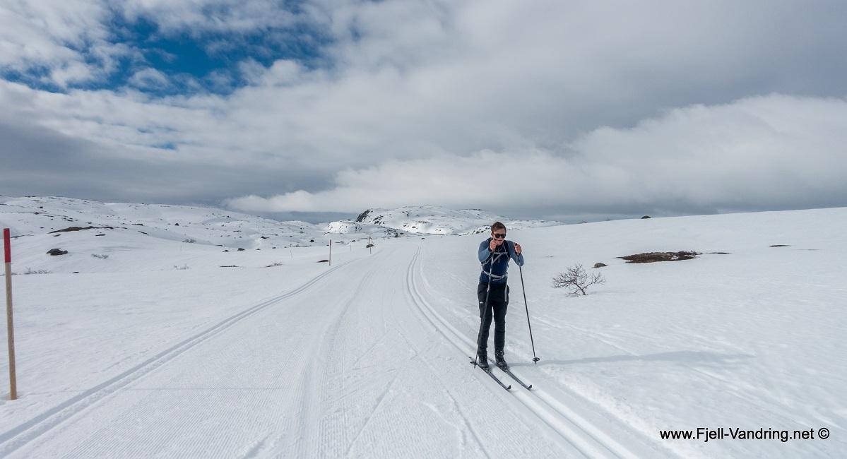 Kvinen Turisthytte - Skitur fra Solheimsdalen