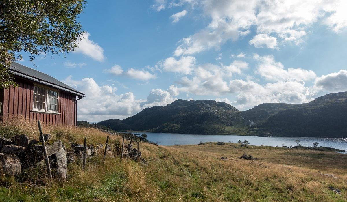Lauvlia - En nedlagt gård ved Røyrvatnet