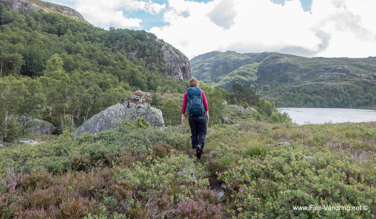 Rambjørheia - Fotturen starter fra Hegelstad