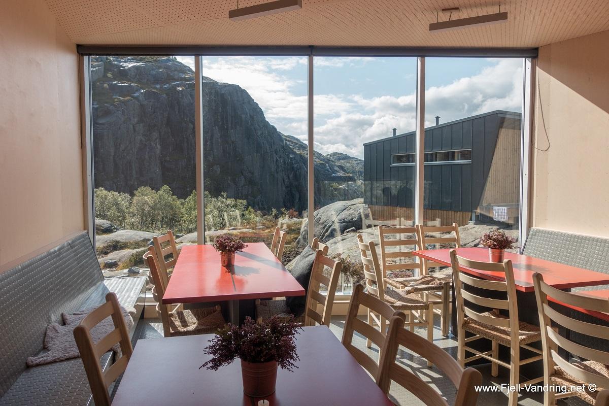Skåpet turisthytte - Flott utsikt fra hovedhytta