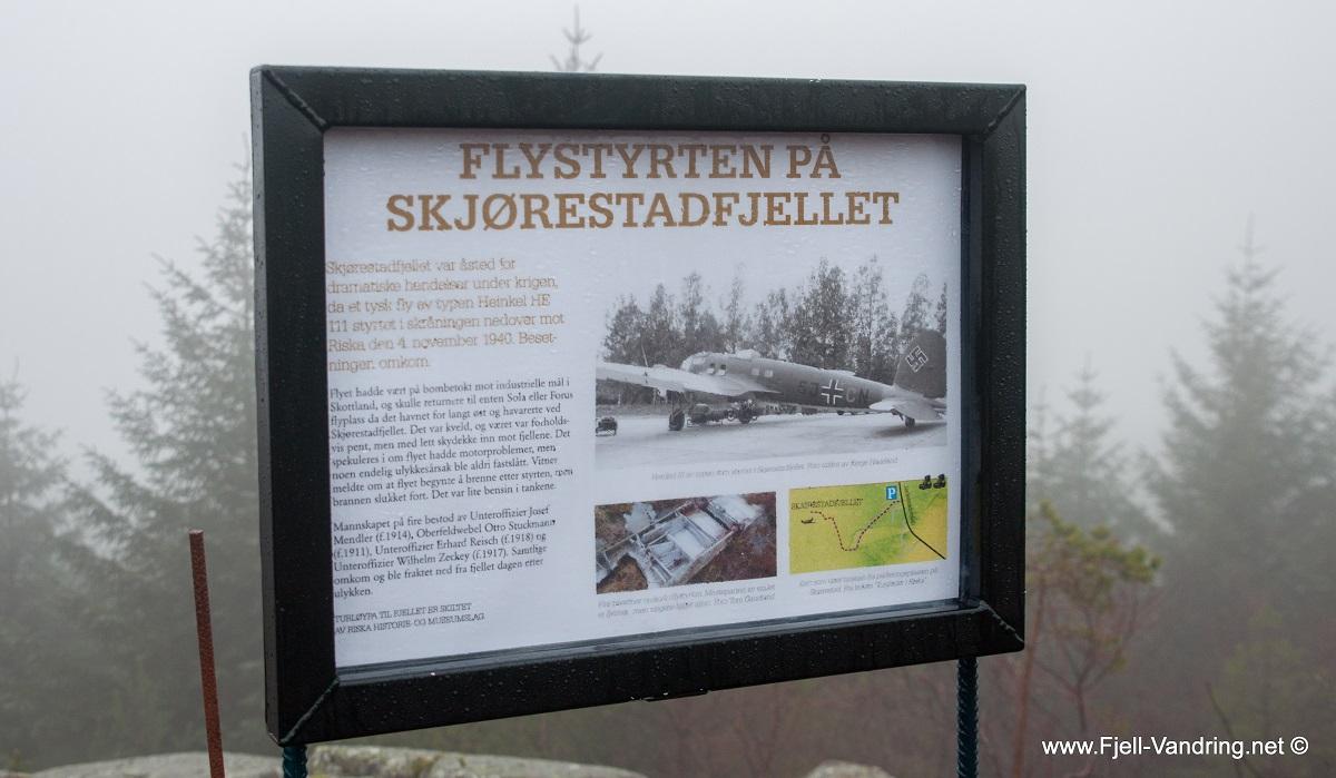 Skjørestadfjellet - Rundtur innom flyvrak og Resasteinen