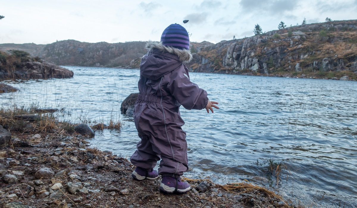 Stem Holmavatn - Familietur i idyllisk terreng