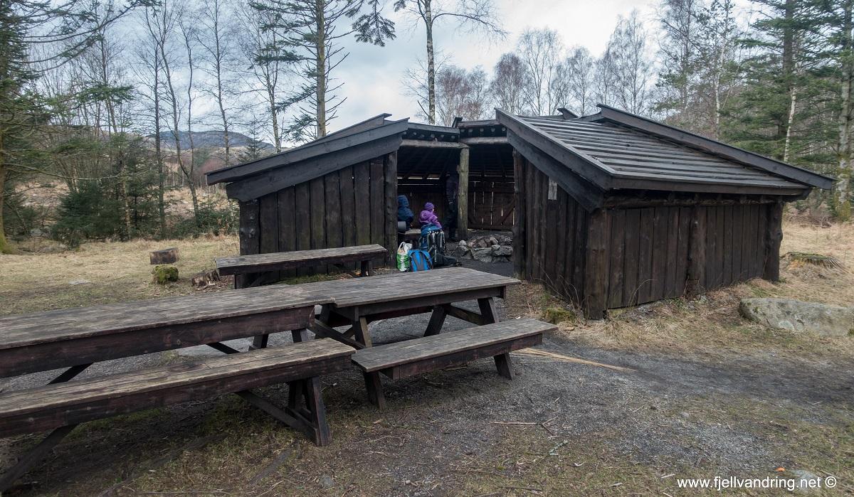 Alsvik - Familievennlig turområde med gapahuk