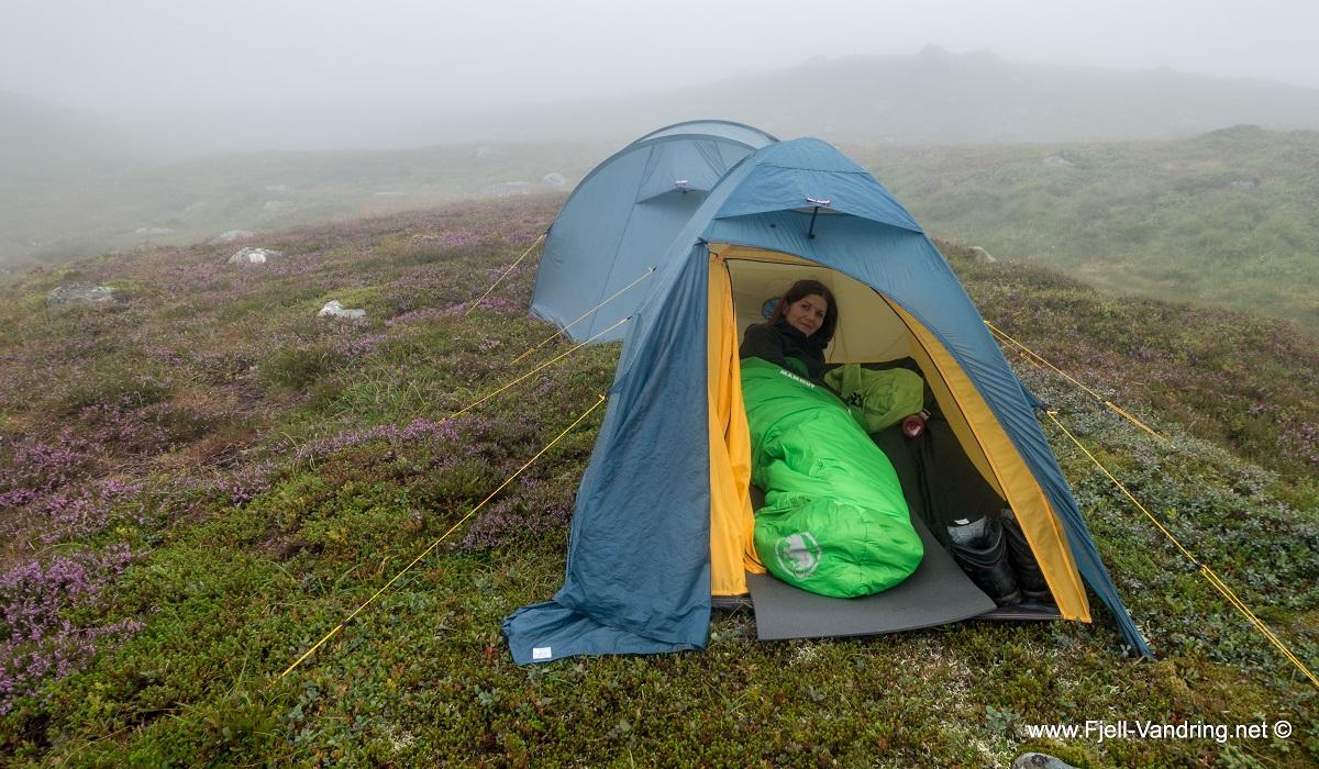 Bjørnvatnet - Heidi har sovet godt i teltet