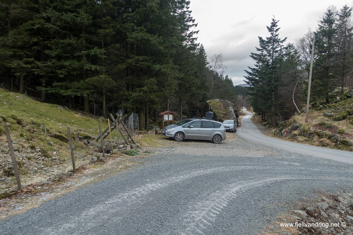 Brunes - Parkering på Berland