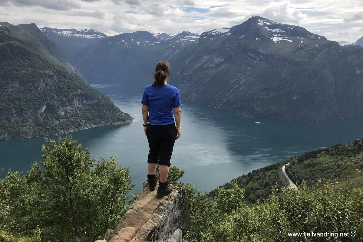 Den Trondhjemske postvei - Avstikkeren til utsiktspunktet anbefales!