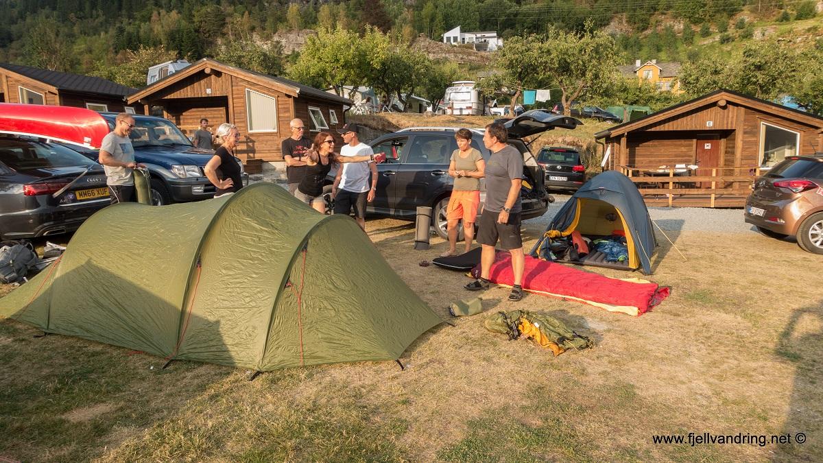 Dronningstien - Parkering på Lofthus Camping i Ullensvang kommune.