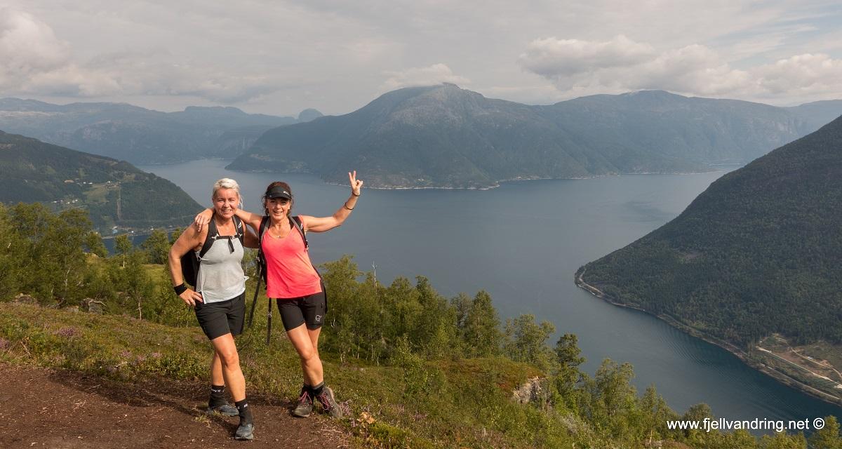 Dronningstien - Gerd Lillian og Diana på tur over fjellet