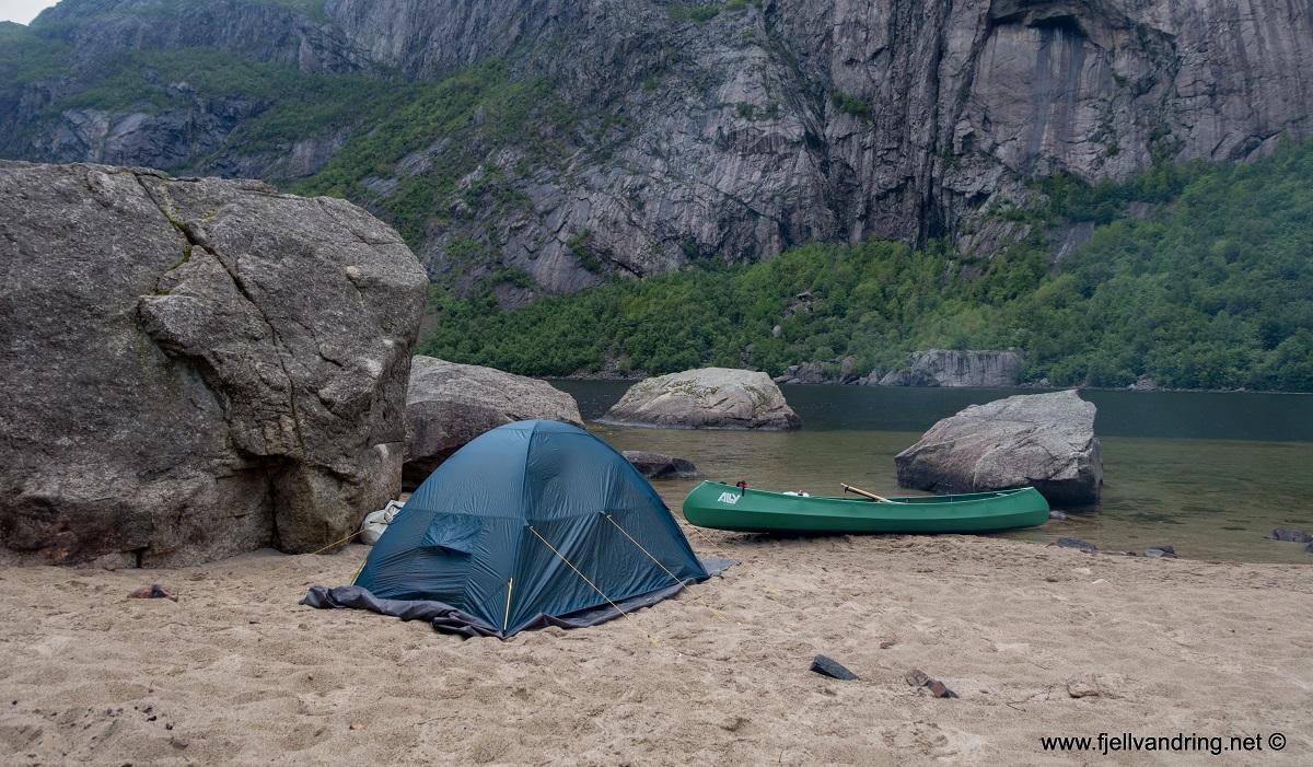 Gloppedalsura - Selvstående telt er greit på stranda