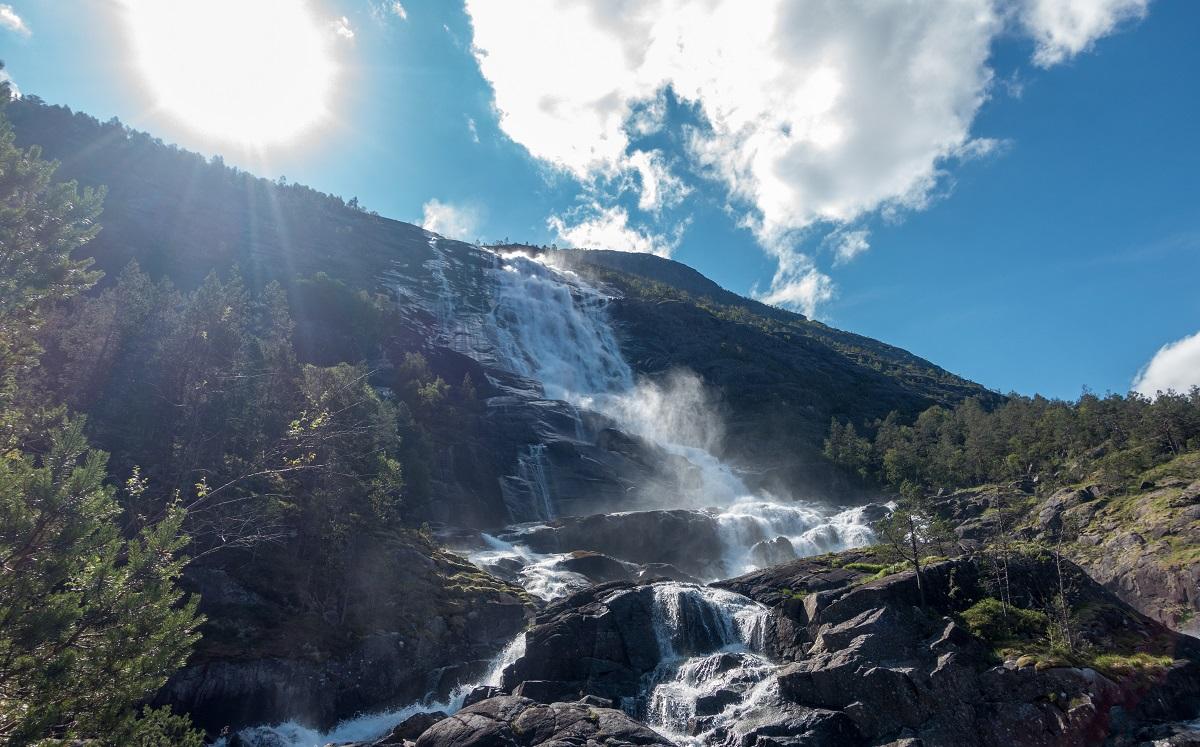 Langfoss - Et mektig fossefall
