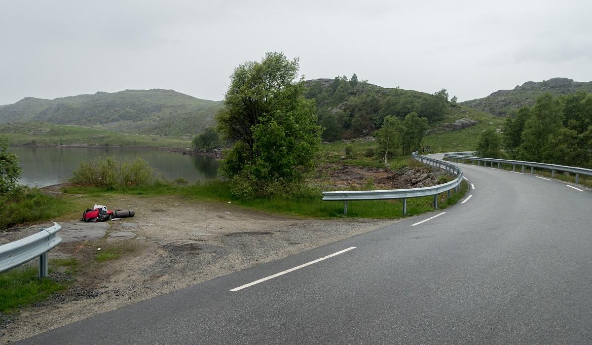 Lauvlia - Parkering i nærheten av Solheim i Gjesdal kommune.
