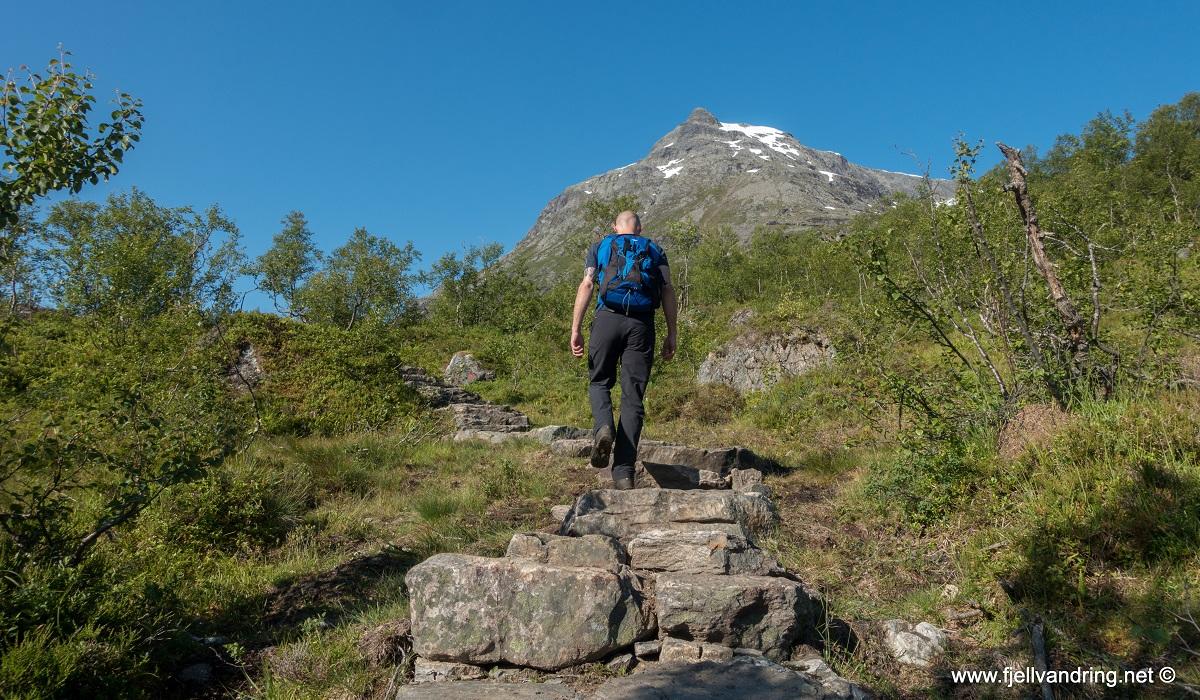 Romsdalseggen - Fotturen starter fra Venjesdalen