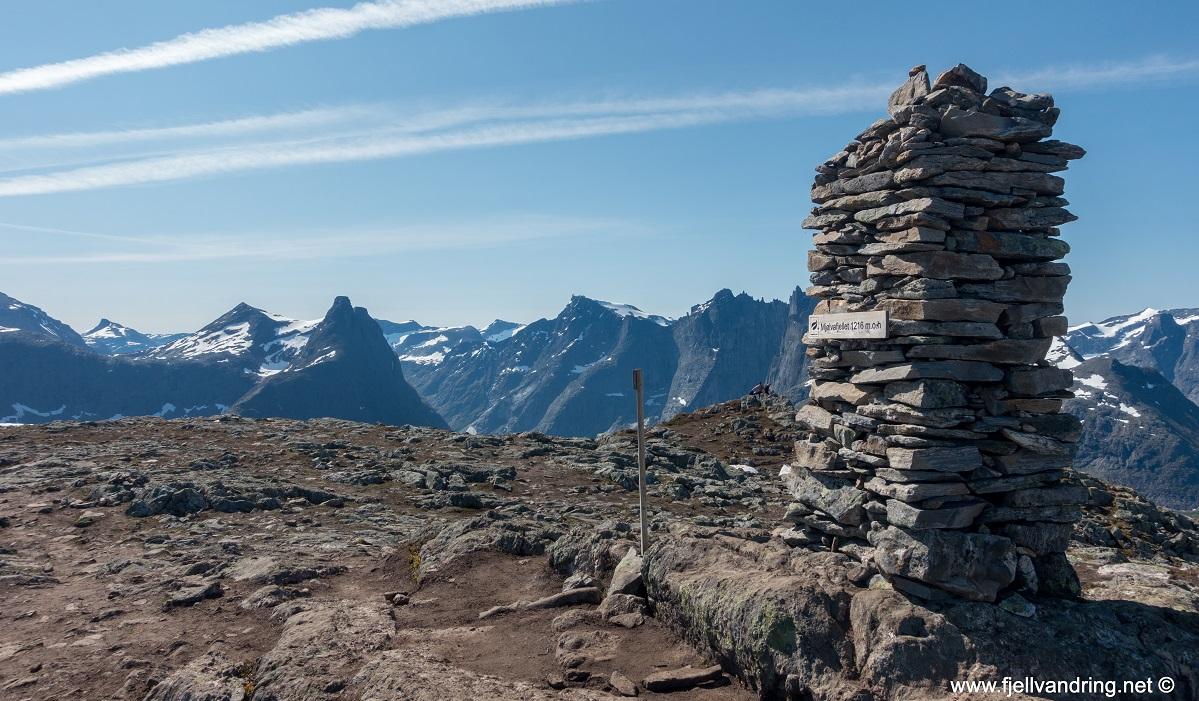Romsdalseggen - Vi passerer Mjølvafjellet