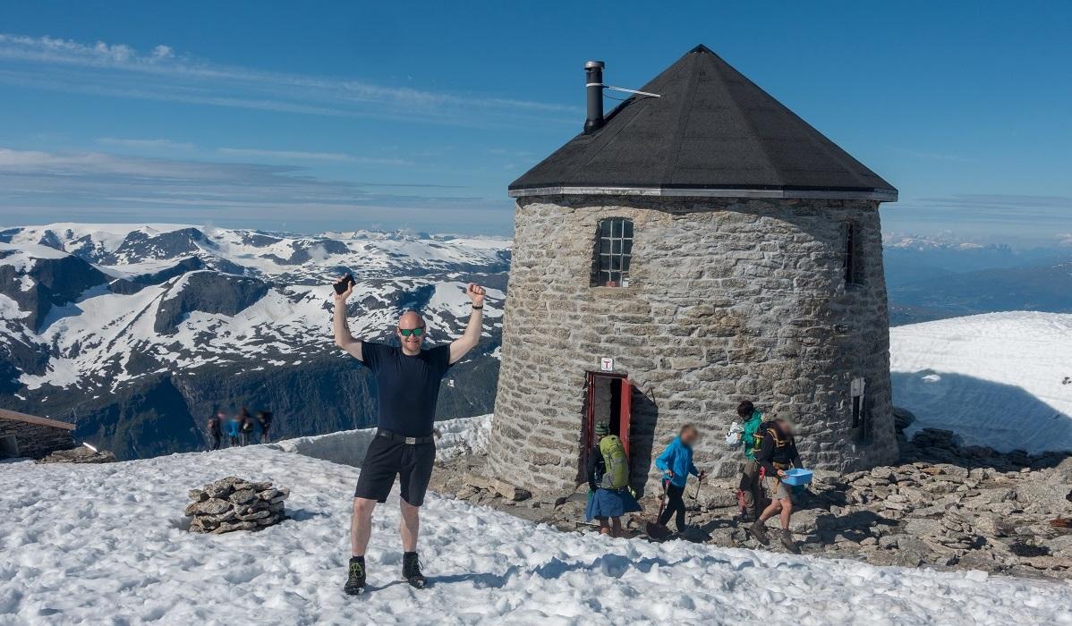 Skålatårnet Turisthytte - Utsiktsrik topp og motbakketur