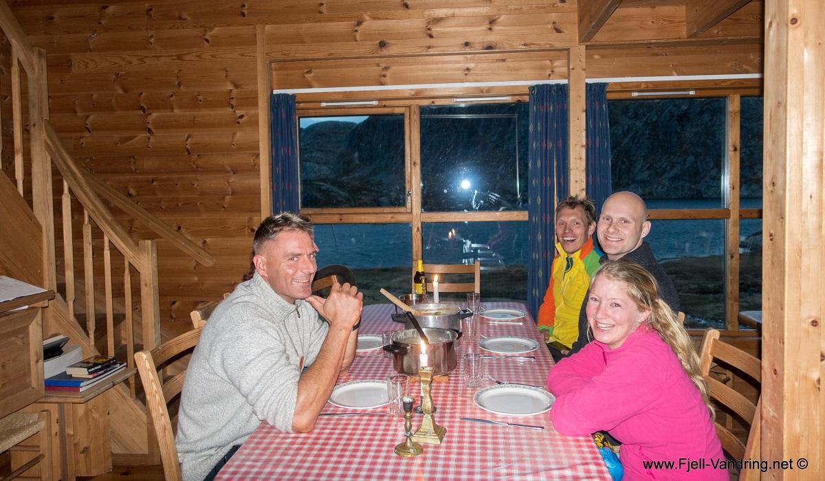 Stakken turisthytte - Nå gleder vi oss til reinsdyrskarv