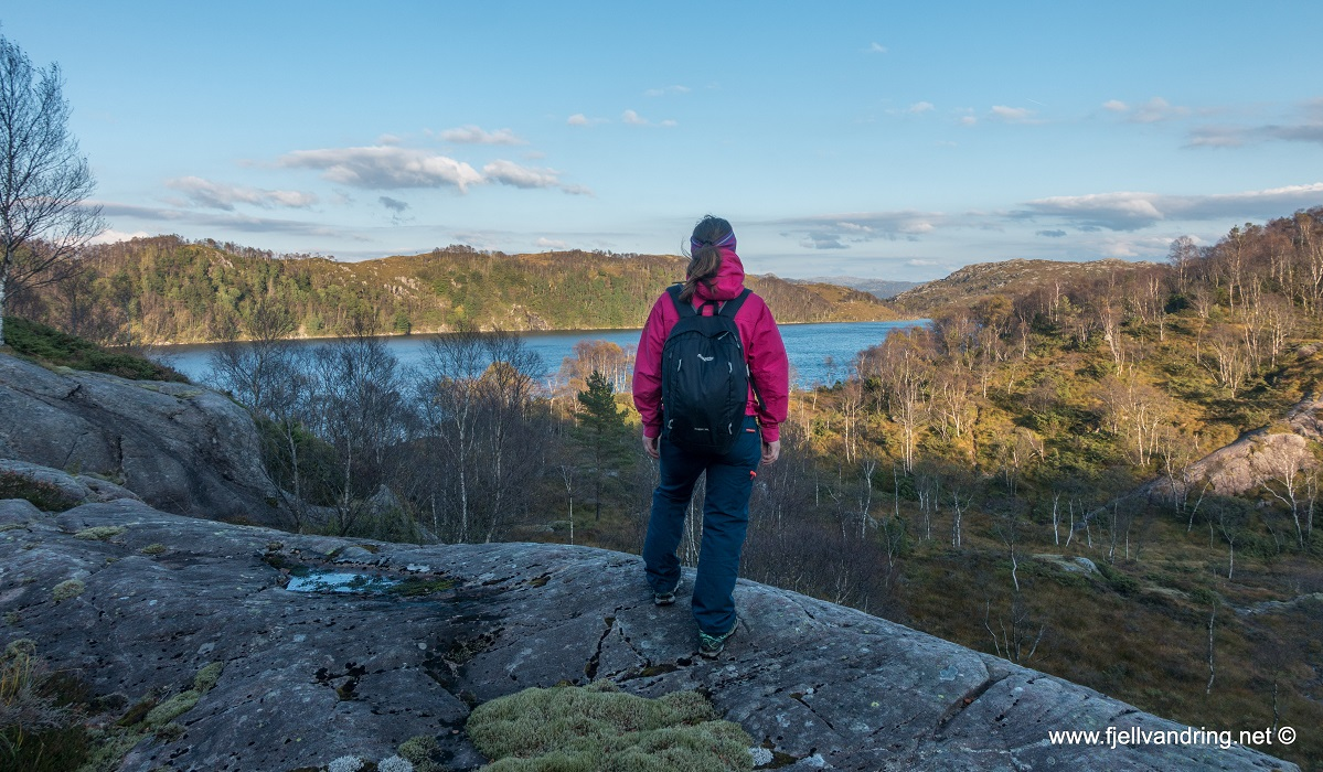 Støybingsvarden - Flott utsikt over Glybstadvatnet
