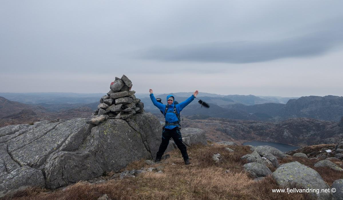 Trollarinda - Heidi på toppen av Mjelkeknuten