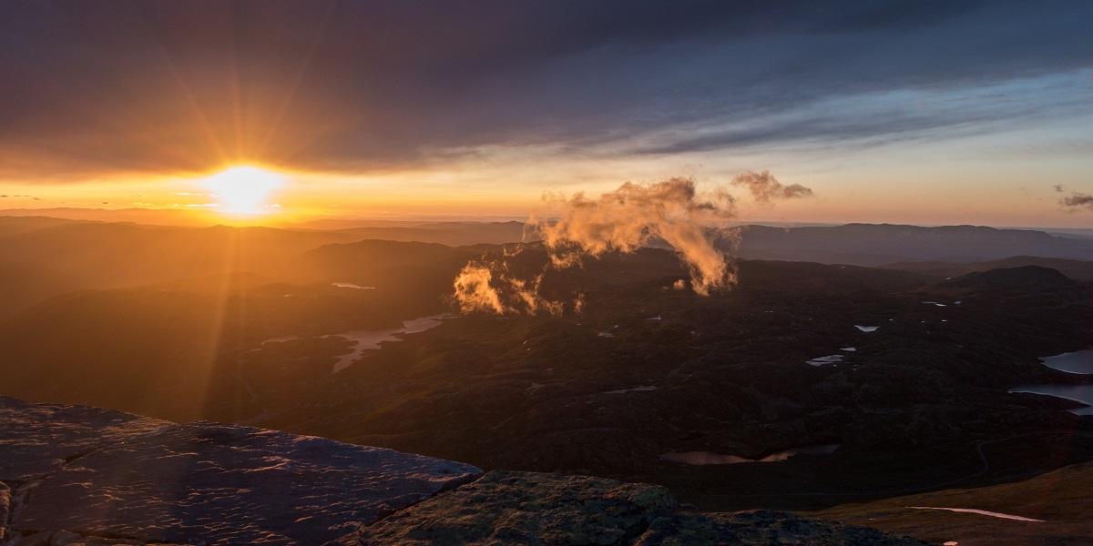 Gaustatoppen - Soloppgang fra hele Norges utsiktspunkt!