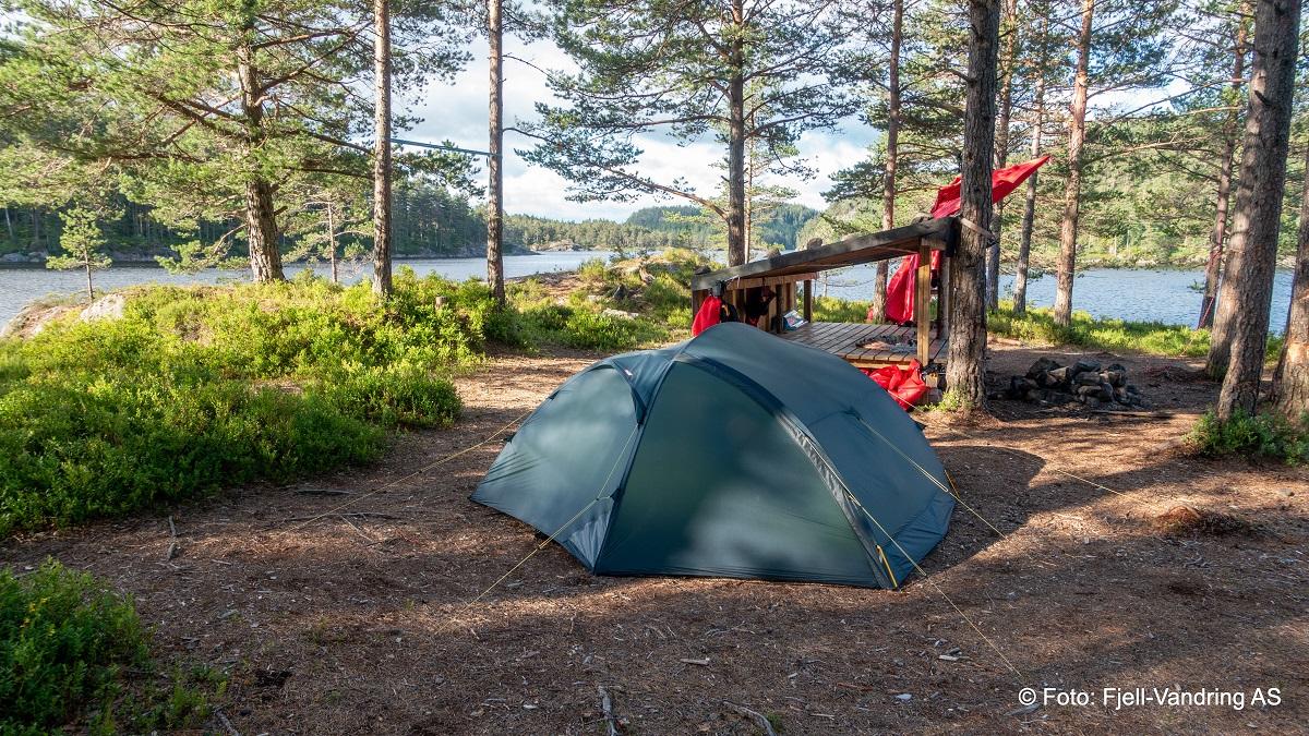 Ogge - Fin teltplass ved Omestadbukta